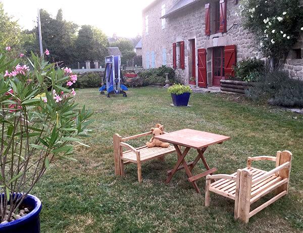 la jardin de la charlanne. Black Bedroom Furniture Sets. Home Design Ideas